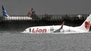 Video Tragedi pesawat Lion Air jatuh di Bali - Intens 15 April 2013 MP3, 3GP, MP4, WEBM, AVI, FLV Oktober 2017