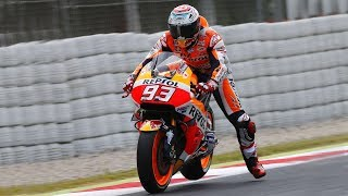 Video The Leg Dangle EXPLAINED - Why do Moto GP racers wave their leg when going into corners? MP3, 3GP, MP4, WEBM, AVI, FLV Februari 2018