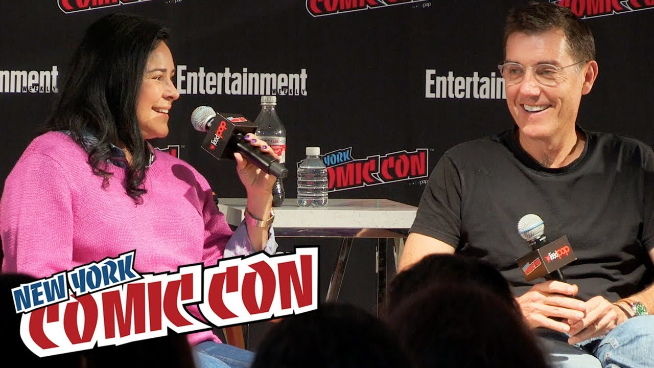 From Pages to Picture: Screenwriting Adaptations Panel (Outlander, Hellboy, The Passage) | NYCC 2018