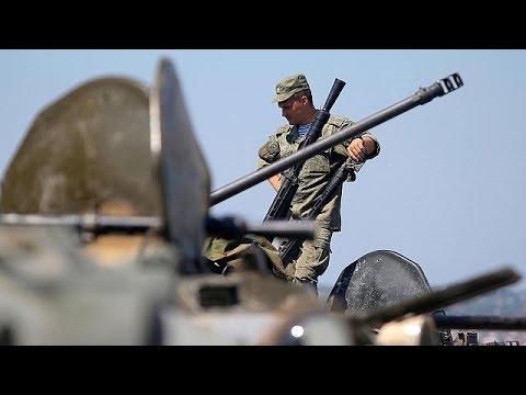 Εντολή Ποροσένκο να τεθούν σε συναγερμό οι ένοπλες δυνάμεις λόγω Κριμαίας