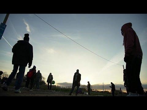 Γαλλία: Περιπλανώμενοι ανήλικοι μετανάστες μετά τη διάλυση της «Ζούγκλας» – world