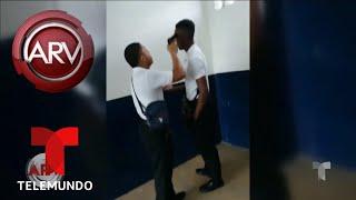 Un estudiante amenazó a otro con un arma en el salón   Al Rojo Vivo