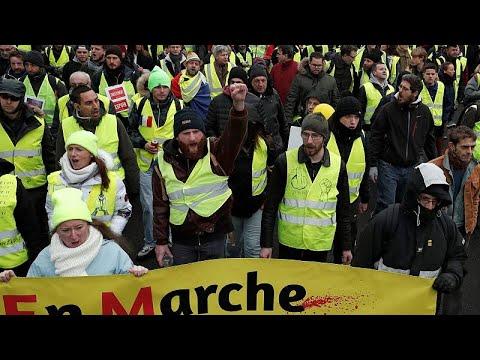 Στους δρόμους τα «κίτρινα γιλέκα» για 11ο σερί Σαββατοκύριακο…