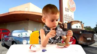 Киндер Сюрпризы Тачки 2 (3 штуки) / Unboxing 3 Kinder Surprise Joy Eggs toys Cars 2