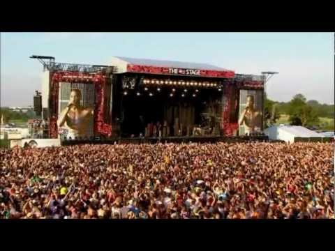 Tinie Tempah – Written in the Stars/Pass Out (Live V Festival 2012)