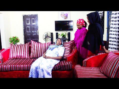 mahaifiyar gidan mugaye ce - Hausa Movies 2020   Hausa Films 2020