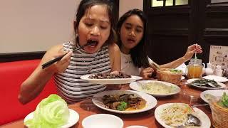 Video Farida Nurhan Makan Daging Rusa Dan Belut Untuk Yang Pertama Kali Di ' Soup  Restaurant ' MP3, 3GP, MP4, WEBM, AVI, FLV Januari 2019