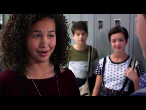 Andi Mack – She s Turning Into You clip2