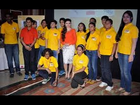 Soha Ali Khan Poses With The Winners Of 'Spell Bee 2016