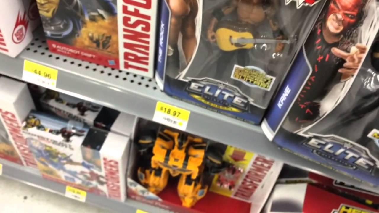 STEALING WWE Elite series 32 from Walmart! Mattel Wrestling Figure Aisle Christmas Shopping!