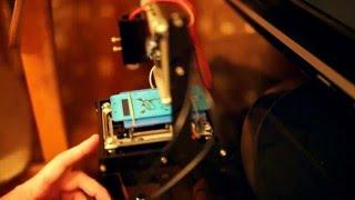 Laser cutter engraving cellphone. Speed has been increased. result in the end of the videoНастольиный лазерный мини гравер из китая гравирует заднюю крышку телефона. Скорость увеличена - результат в конце.