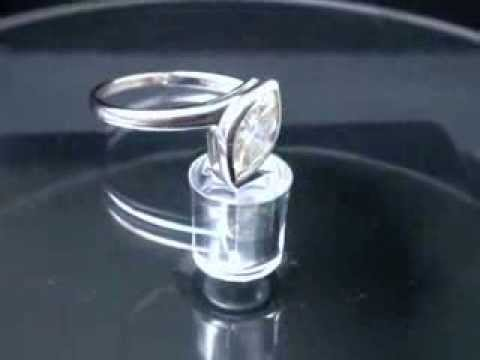 0.70ct VS Diamond Solitaire Engagement Ring 18k W. Gold