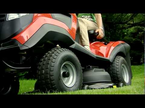 Mountfield 1538 Mulching Tractor: Gardencare (видео)