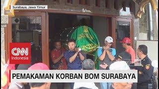Video Isak Tangis Warnai Pemakaman Satpam Gereja Korban Bom Surabaya MP3, 3GP, MP4, WEBM, AVI, FLV Desember 2018