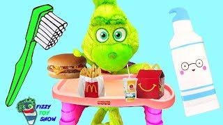 Video Baby Grinch Morning Routine Plays Fizzy and Phoebe Disk Drop Game MP3, 3GP, MP4, WEBM, AVI, FLV Januari 2019