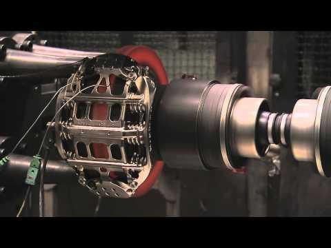 速度飛快的F1賽車內部的煞車狀況原來是這樣,看完有種OMG的感覺!