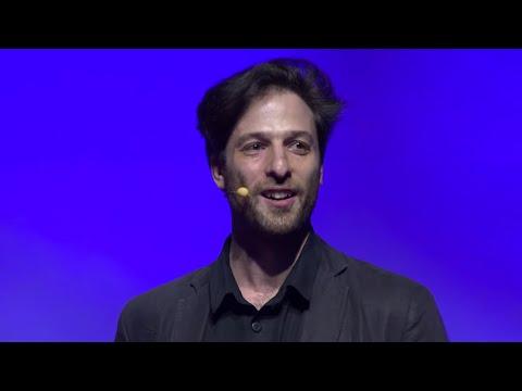 A gondolatainkat befolyásoló nyelvészet | Bálint Forgács | TEDxDanubia