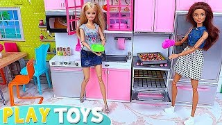 Barbie Girl Cooking Play Pizza in Doll Kitchen!