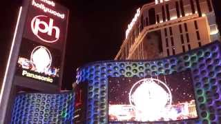 NEW YEAR'S EVE 2015 COUNTDOWN @ LAS VEGAS (front of planet hollywood)