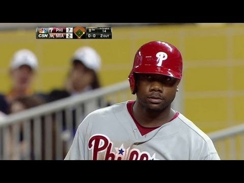 Video: PHI@MIA: Howard singles home Revere in the eighth