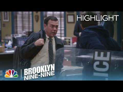Brooklyn Nine-Nine 2.07 (Clip 2)
