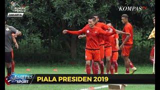 Persija Jakarta Lawan Kalteng Putra di Stadion Patriot