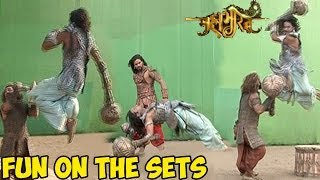 Video Mahabharat : OMG! Mahabharat's UNSEEN Fun On the Sets LEAKED MP3, 3GP, MP4, WEBM, AVI, FLV November 2018
