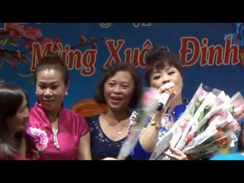 Tết Đinh Dậu tại TTTM Đồng Xuân - Làng lúa, làng hoa