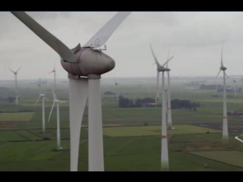 Kampf um die Windkraft - Stand Juni 2016 mehr als 26.000 Windkraftanlagen in Deutschland