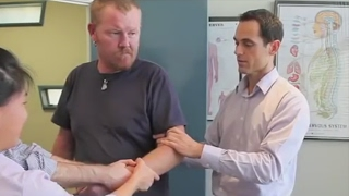 Video Dr Ian - DISLOCATED ELBOW Adjustment - FIXED by Gonstead Chiropractic MP3, 3GP, MP4, WEBM, AVI, FLV Mei 2019