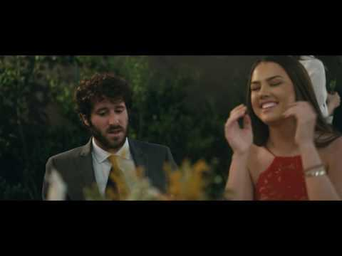 Lil Dicky - Molly feat. Brendon Urie (Official Video) (видео)