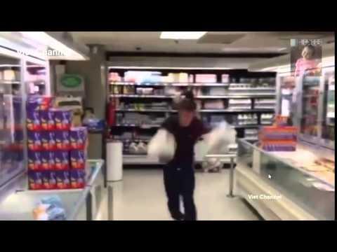 Clip hài hước nhất thế giới cười bể bụng - Phần 21