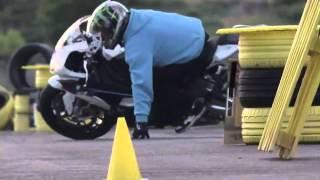 درفت دراجة نارية ضد سيارة اودي