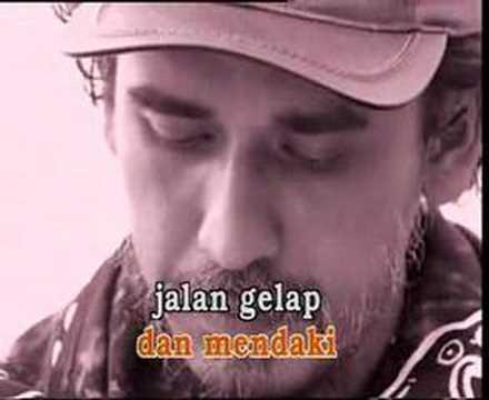 Download Lagu Iwan Fals -=- Antara Aku, Kau & Bekas Pacarmu Music Video