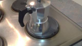 Video How to use a Stovetop Espresso Maker MP3, 3GP, MP4, WEBM, AVI, FLV Agustus 2019