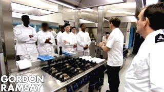 Download Video Gordon Ramsay Teaches His Prison Brigade To Cook  | Gordon Behind Bars MP3 3GP MP4