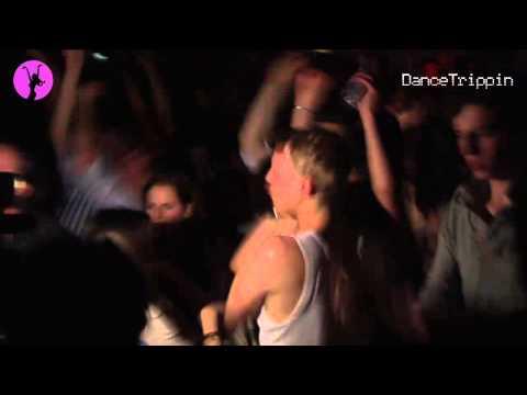 Onno - Mumblin Groove [played by Joris Voorn]