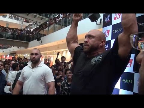 0 Update On The Undertakers Return To TV, 10,000 Fans In India Greet Ryback