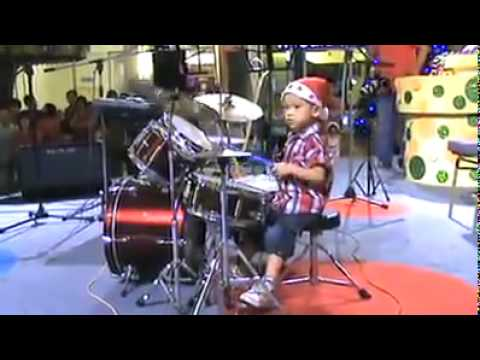 Baby Drummer Boy Performs 'I Hate Myself For Loving You'