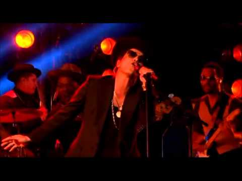 Bruno Mars The X Factor UK 2012 – Locked Out Of Heaven