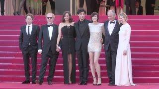 Video Marion Cotillard, Charlotte Gainsbourg, Louis Garrel and more on the red carpet in Cannes MP3, 3GP, MP4, WEBM, AVI, FLV Juli 2017