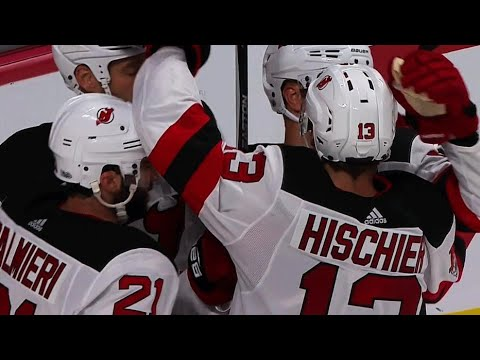 Video: Hischier parked in front tips Hall pass past Price