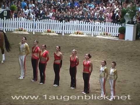 bleyer - Der Clip zeigt das Team Bleyer der JRG Koeln im Finale der deutschev Voltigiermeisterschaften 2007. Das Team wurde Deutscher Meister in der Kür. Schwächen in...