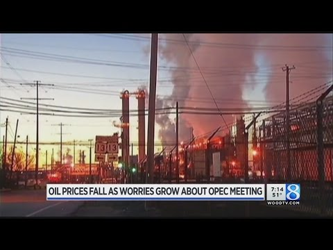 Oil prices fall as worries grow about OPEC meeting (Video)