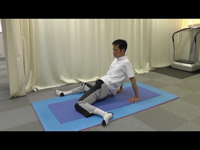 【セルフケア動画】ぎっくり腰の予防 1 『膝倒し』のストレッチ