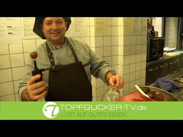 Teriyaki gebeizte Kalbsfiletstreifen im Thymianrauch mit Senfsauce, geschmorten Pak-Choi mit Shiitakepilzen und grünem Spargel