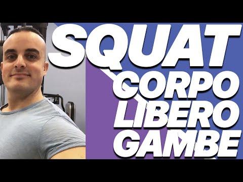 Esercizi Gambe: Squat a Corpo Libero