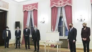 Andrzej Duda świętuje żydowskie święto w Polin. Zapalenie świec chanukowych.