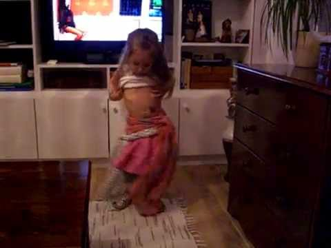 I wanna be a bellydancer!   Aletta 3yrs old
