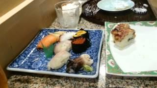Comer Sushi con mi hermana y Marc en Japón